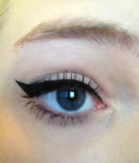 define-eyeliner-a-thrilling-liquid-black-1358376496-jpg